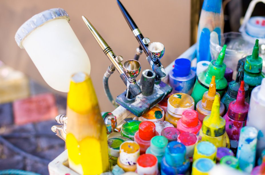 thinning acrylic paint for airbrushing
